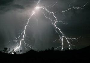 В Тернопольской области от удара молнии погиб юноша