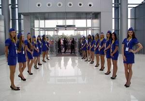 Фотогалерея: Встал на крыло. В аэропорту Харькова открылся новый терминал