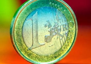 Курс евро на межбанке почти не изменился после вчерашнего падения