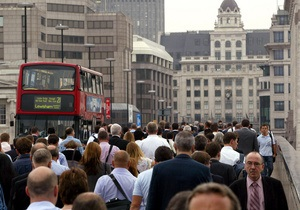Автобусные компании предложили безработным британцам бесплатный проезд