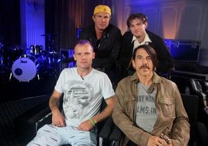 Вышел первый за пять лет альбом Red Hot Chili Peppers