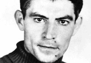 Сына писателя Василия Стуса попросили вернуть присвоенное его отцу звание Героя