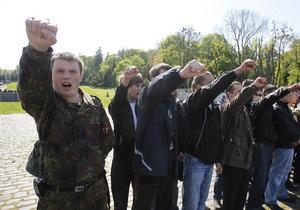 Львовские регионалы требуют переизбрать облсовет, а луганские - запретить деятельность Свободы