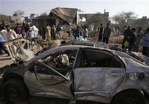 В результате теракта в пакистанском Лахоре погибли 14 человек