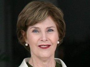 Лора Буш собирается написать мемуары