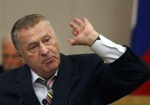 Жириновский просит мусульманский мир помочь Каддафи