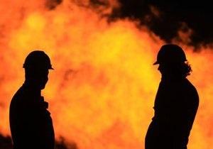 В Оболонском районе Киева неизвестные подожгли два автомобиля