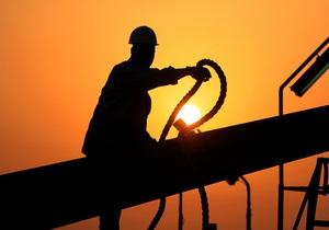 Нефть дешевеет накануне данных о занятости в США