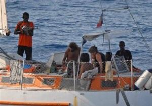 Двое сомалийских пиратов получили пожизненные сроки за убийство четырех американцев