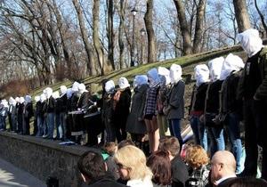 Обреченные: Смертельно больные украинцы пришли под Кабмин