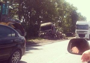 На трассе Киев-Чоп сгорел грузовик