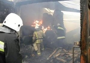 В Чернигове сгорел склад со 100 тоннами туалетной бумаги