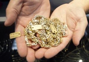 В Ровенской области неизвестные ограбили ювелирный магазин на 2 млн грн