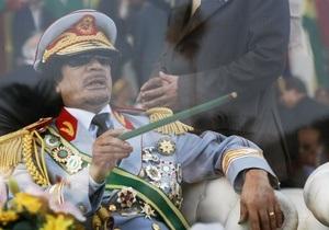 СМИ: Каддафи пытается нанять американских пиарщиков, чтобы улучшить свой имидж