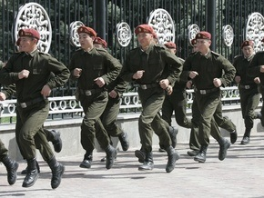 В Кыргызстане узаконили откуп от армии за 300 долларов