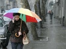 Выборам в Грузии мешают снегопады, а наблюдателям - власти