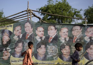 Правозащитники: В Пакистане на некоторых избирательных участках явка превысила 300%