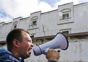 Эксперты: Приговор Навальному - часть спектакля, разыгранного властью - DW