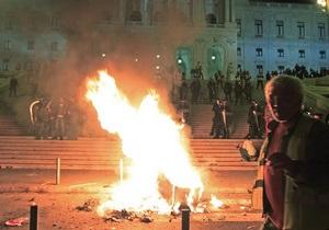 Две зарплаты верни государству: Португальцы протестуют против крупнейшего повышения налогов