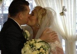 У Мельниченко после свадьбы повысилось давление. Допрос перенесен