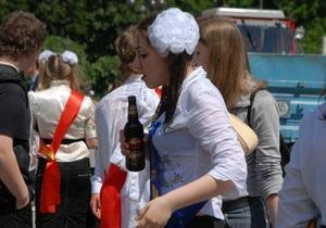 Вступил в силу закон, запрещающий продавать пиво несовершеннолетним