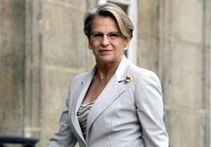 В Палестине кортеж министра иностранных дел Франции забросали ботинками