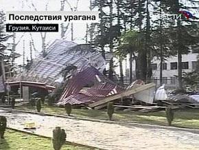 Ураганный ветер оставил Тбилиси без света