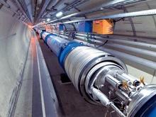 В Большой адронный коллайдер попали первые лучи из космоса