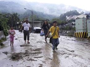 Две тайваньские деревни оказались в ловушке из-за тайфуна Моракот: 700 человек могут погибнуть