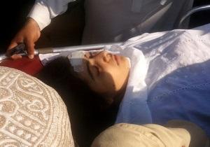 Раненную талибами 14-летнюю правозащитницу перевезли в Британию