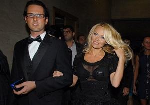 СМИ: Организаторы Мисс Украина подают в суд на Памелу Андерсон
