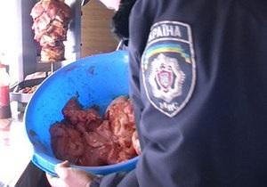 За текущий год киевская милиция выявила сотню нарушений в работе фаст-фудов