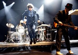 Beastie Boys не смогли обойти певицу Адель в чарте Billboard