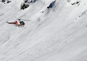 Швейцарский суд запретил находиться в Альпах без одежды
