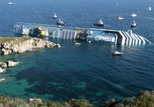 Скалы, на которых лежит Costa Concordia, начали разрушаться