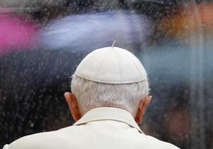 Папа Римский Бенедикт XVI недавно перенес операцию на сердце - СМИ
