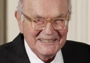 В США скончался создатель суперклея
