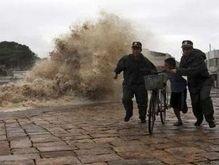 На Китай  обрушился мощный шторм: более 450 тыс. пострадавших
