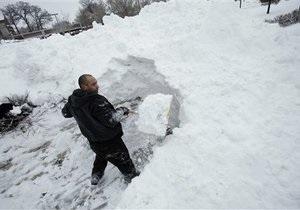 Представители Блока Кличко помогали чистить улицы Киева от снега