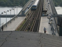Метрополитен будет бороться с самоубийцами штрафами