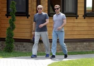 Рейтинги Медведева и Путина достигли двухлетнего минимума