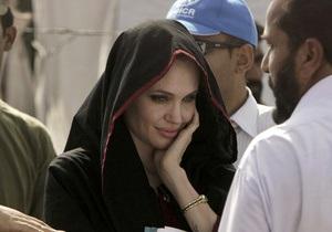 Фотогалерея: После потопа. Анджелина Джоли посетила Пакистан
