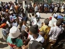 За $100 в Зимбабве нужно выложить 20 кило местной валюты