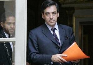 Экс-премьер Франции упал с мотороллера и сломал ногу