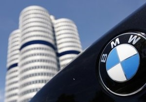 BMW отзывает почти 122 тыс. мотоциклов по всему миру