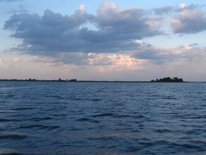 В Киевской области бизнесмены изменили береговую линию Днепра