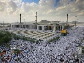 Паломники совершили на горе Арафат главный обряд хаджа