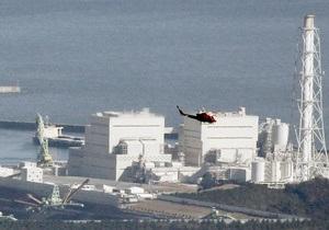 В районе Фукусимы-1 начали сбрасывать мешки с впитывающими радиацию веществами