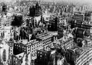 Историки назвали точное число жертв знаменитой бомбардировки Дрездена