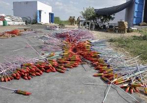 В Индии пожар на фабрике фейерверков унес более 50 жизней